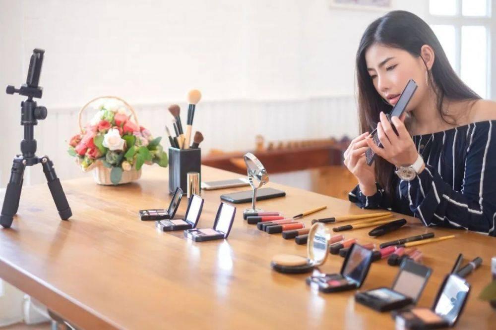 采访近100位真实消费者,我发现了直播卖货的5个秘密-第7张图片-周小辉<a href='https://www.zhouxiaohui.cn/duanshipin/'>短视频</a>培训博客