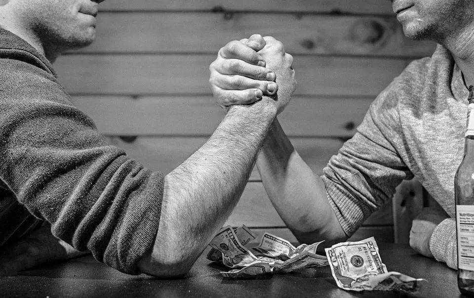 重磅丨亚马逊或秘密研发独立站业务:反击Shopify 贝索斯亲自带队