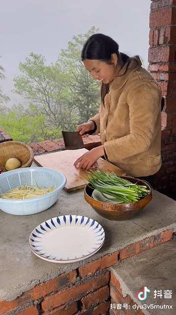 """""""她在抖音做菜,3个月涨粉744万"""":美食赛道持续爆发的秘密是什么?-第11张图片-周小辉博客"""