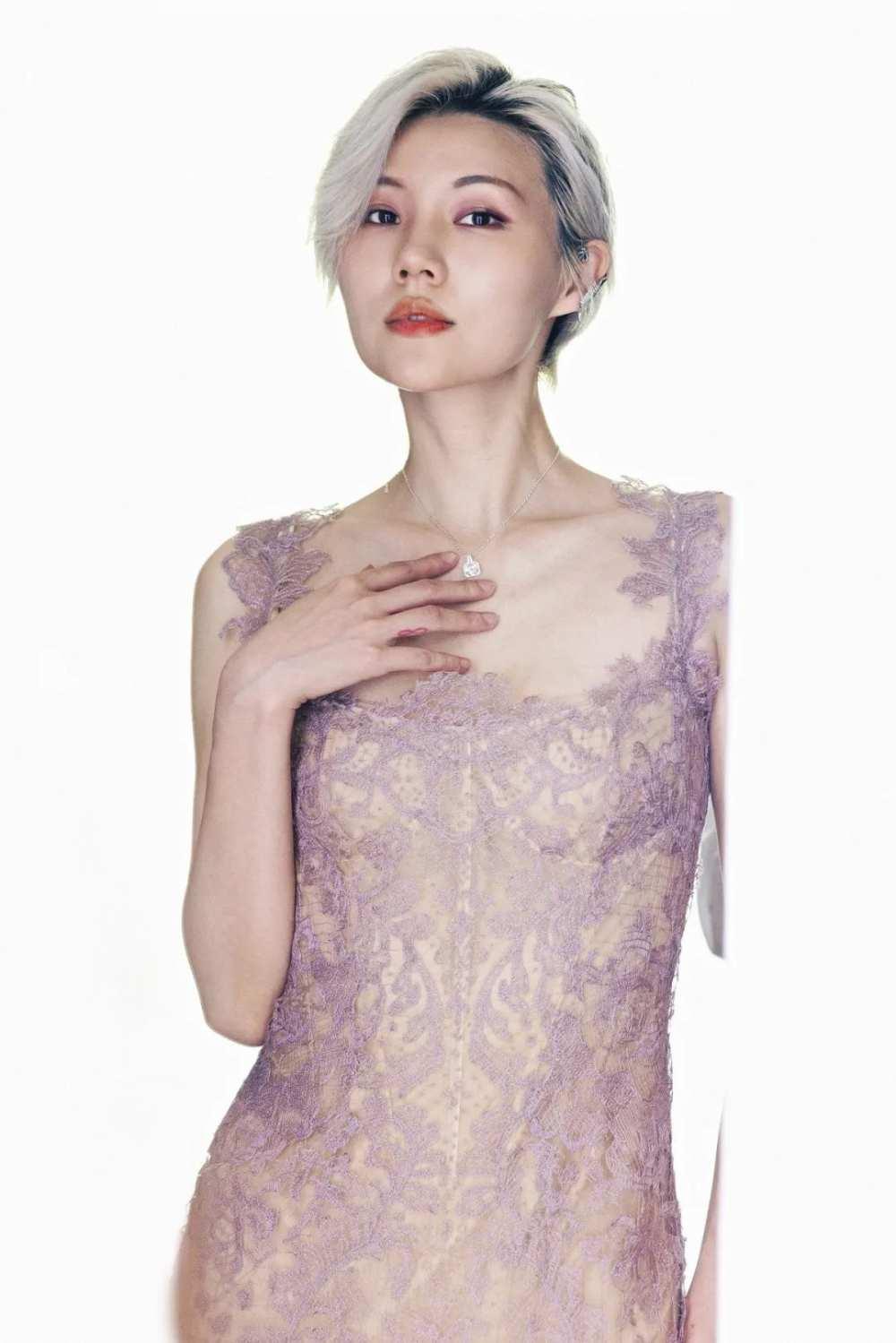 """什么是""""时尚""""星球?百位抖音女孩身着VERA WANG婚纱告诉你答案-第6张图片-周小辉博客"""